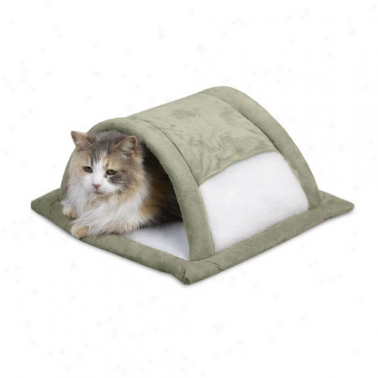 Petmate Attract-o-mat Pet Bedding In Tunnel