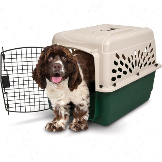 "Remington Plaztic Dog Kennel, 28w"" X 20.5""d X 21.5""h"